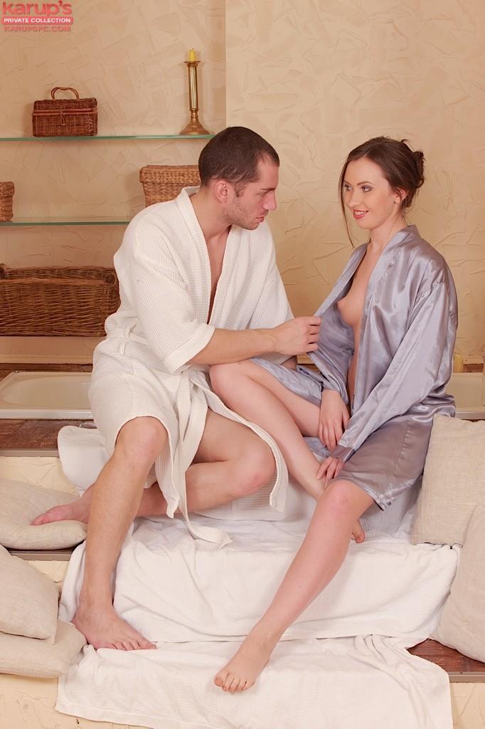 Tess - В ванной - Галерея № 3266592