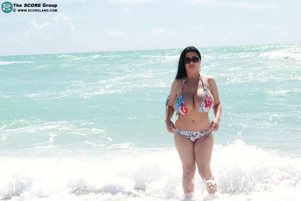 Daylene Rio, Jaylene Rio - На пляже - Галерея № 3487450