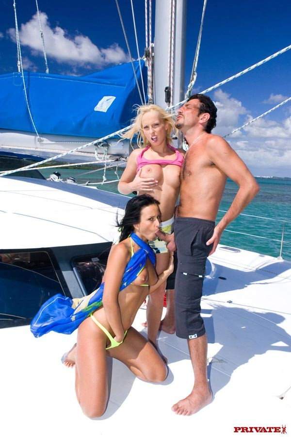 Diana Gold - В лодке - Галерея № 3040803