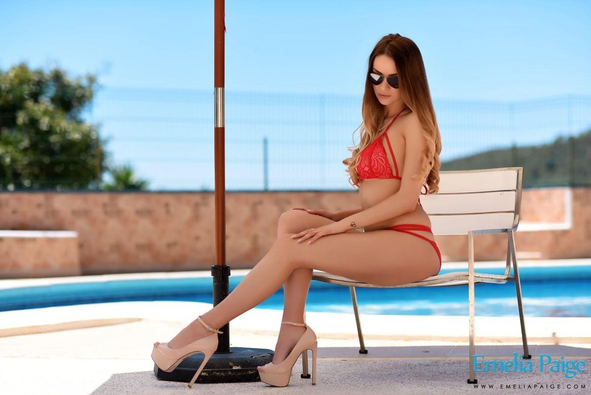 Emelia Paige - Бикини - Галерея № 3560054