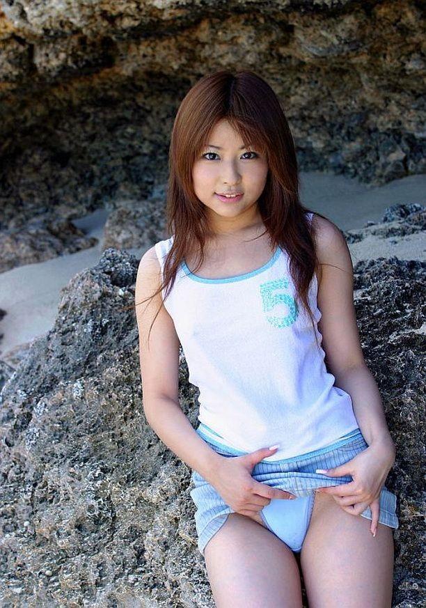 Miyu Sugiura - На пляже - Галерея № 3431594
