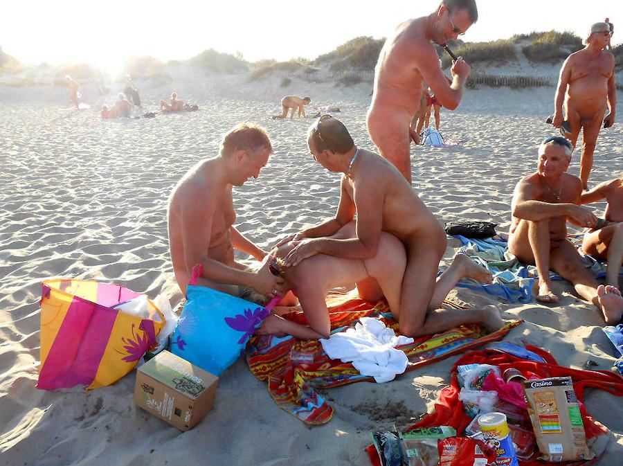 На пляже - Галерея № 3500526