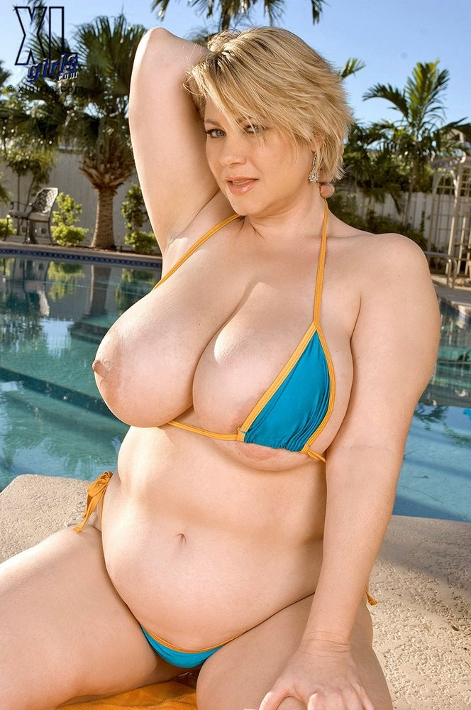 Busty Blonde Fat Whore Only Loves Big Black Sausages
