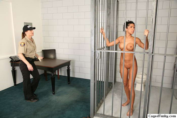 Topless photo could put mom in jail