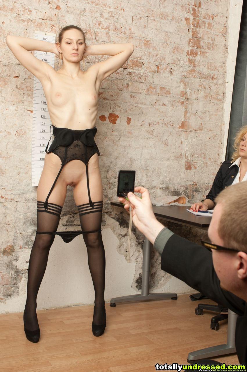 У секретарши сложная работа