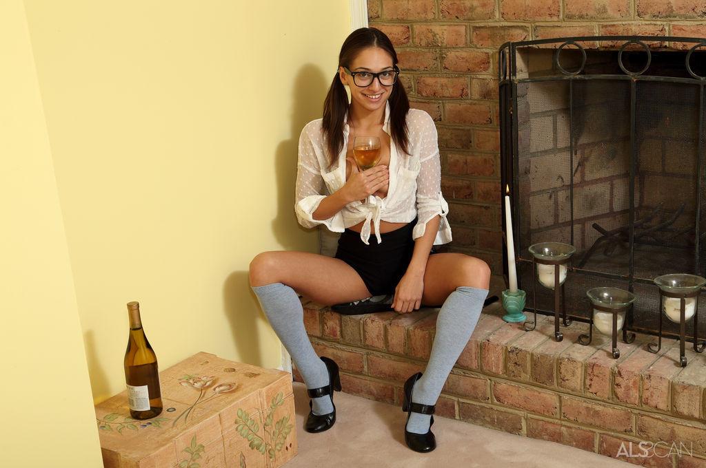 Sara Luvv - Бутылки - Галерея № 3415086