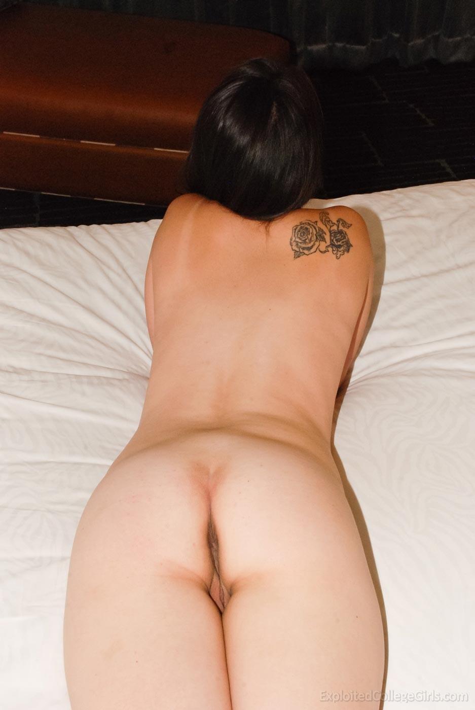 Симпатичная брюнетка Alejandra хороша, хоть и грудка не большая у нее, зато соски прикольные