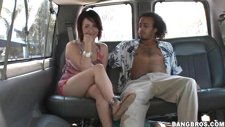 Трахнул в автобусе случайную женщину с улицы
