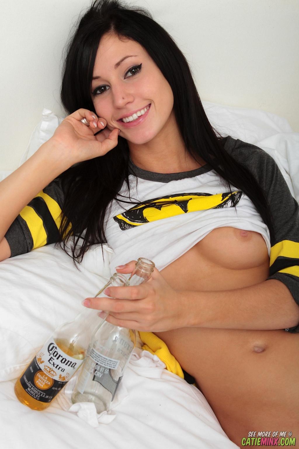 Catie Minx - Бутылки - Галерея № 3289405