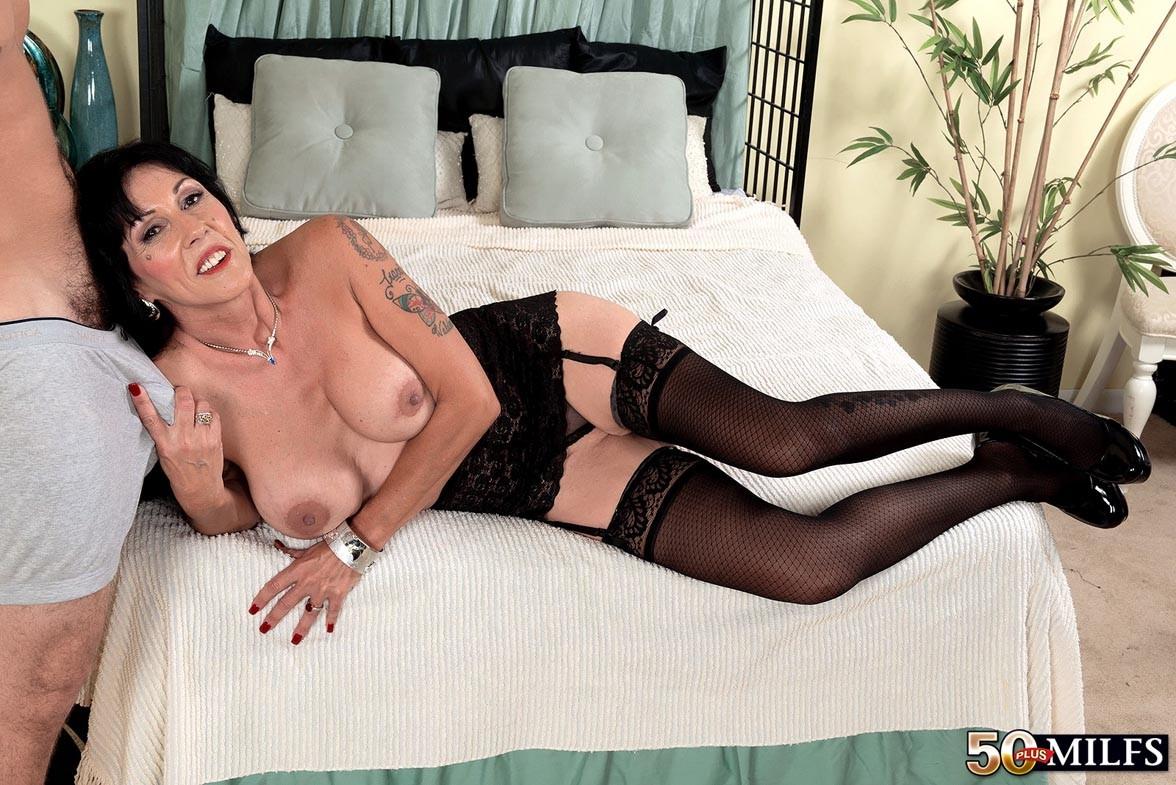 Moreen Helm - Сочные женщины - Галерея № 3549385