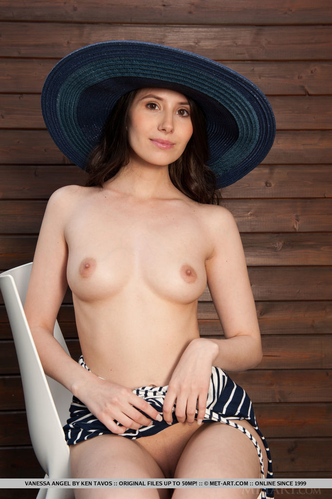 Vanessa Angel - Фигуристые женщины - Галерея № 3483620