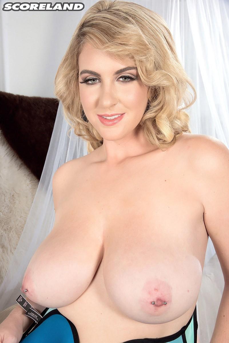 Сочные сиськи женщины блондинки
