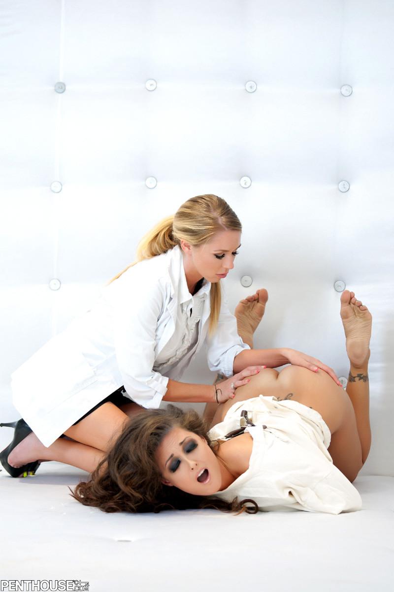 Brynn Tyler, Melissa Jacobs - У врача - Галерея № 3430232