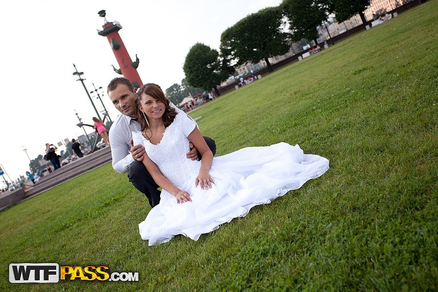 Молодую русскую невесту поимели толпой