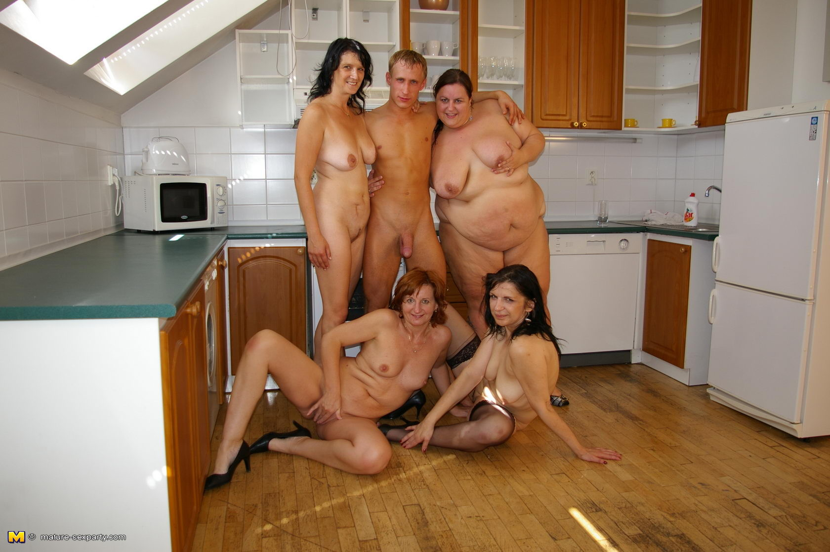 Chicago wives naked