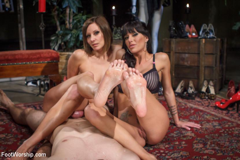 Maitresse Madeline, Blake, Gia Dimarco - Дрочит ножками (футджоб) - Галерея № 3411733