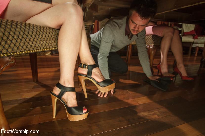 Lorelei Lee, James Riker - Дрочит ножками (футджоб) - Галерея № 3379327