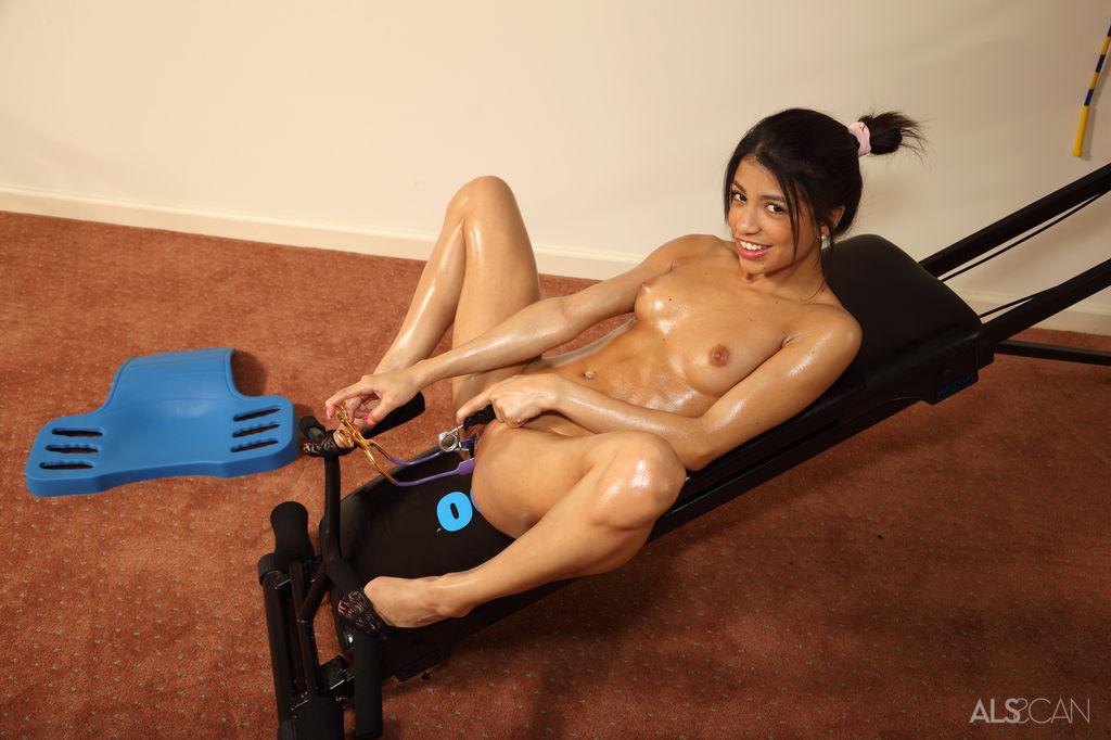 Veronica Rodriguez - Гибкие - Галерея № 3428962