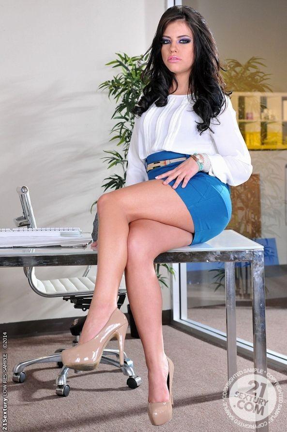 Adriana Chechik - Дрочит ножками (футджоб) - Галерея № 3456509