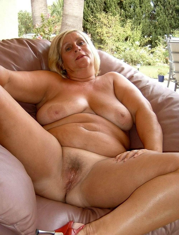 Curvy Naked Older Women