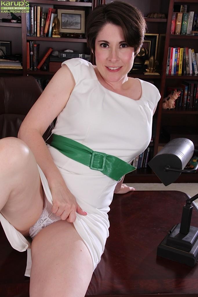 Sadie Jones - Волосатые - Галерея № 3474445