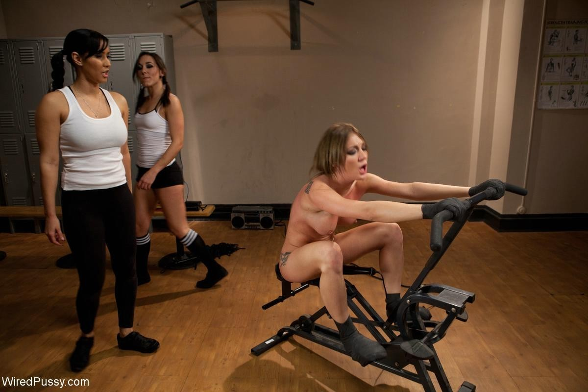 Sinn Sage, Isis Love, Amy Brooke - В спортзале - Галерея № 3436464