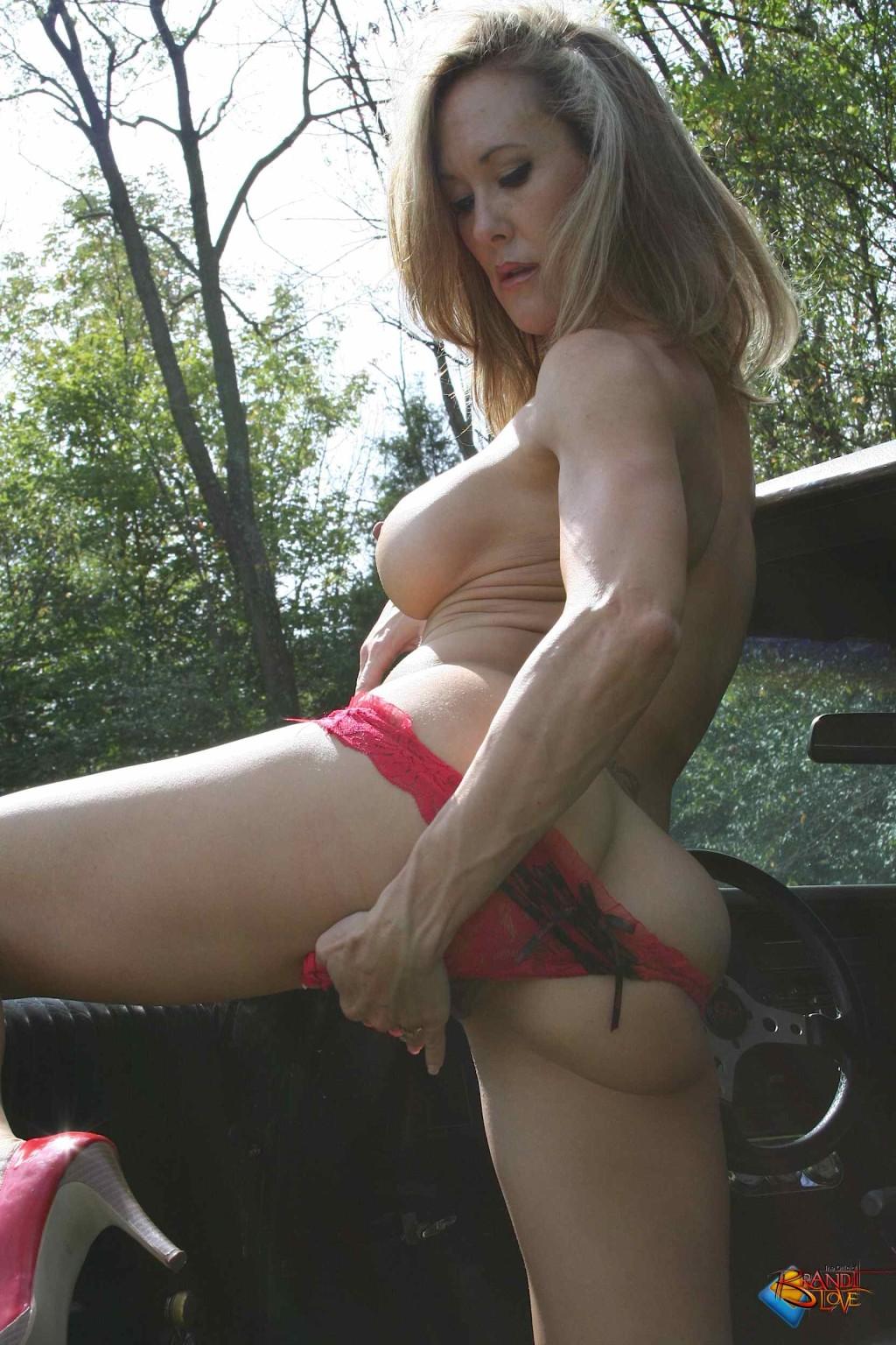 Brandi Love - На каблуках - Галерея № 3425833