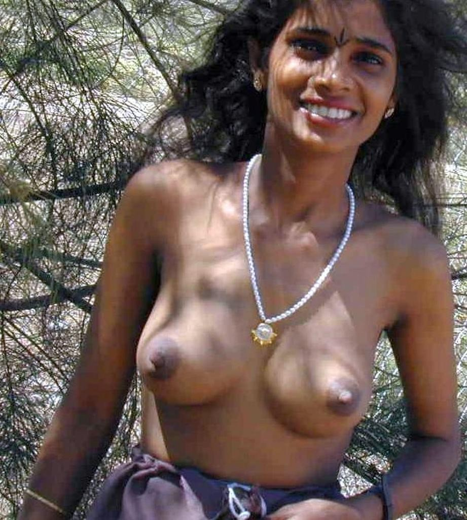 Desi Indian Young Hot Mom Sexy Big Boobs