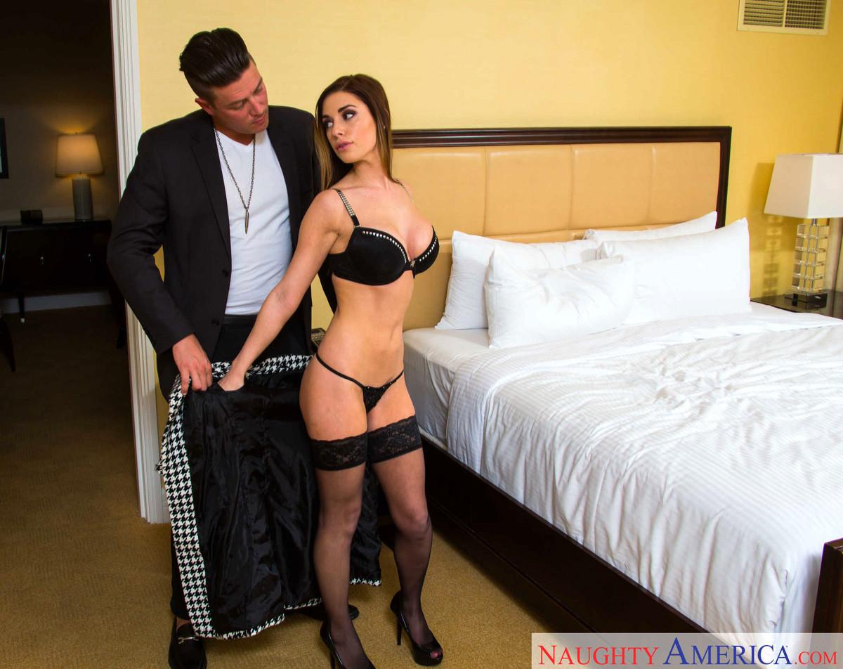 Devyn Cole - В гостинице - Галерея № 3480348