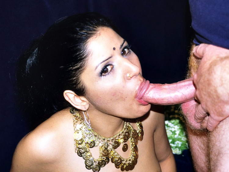 Indian prostitute, street pick up and public fucking