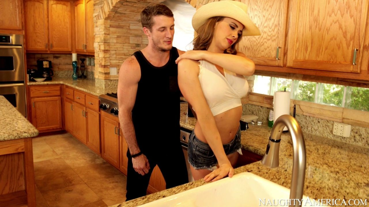 Chanel Preston - На кухне - Галерея № 3430981