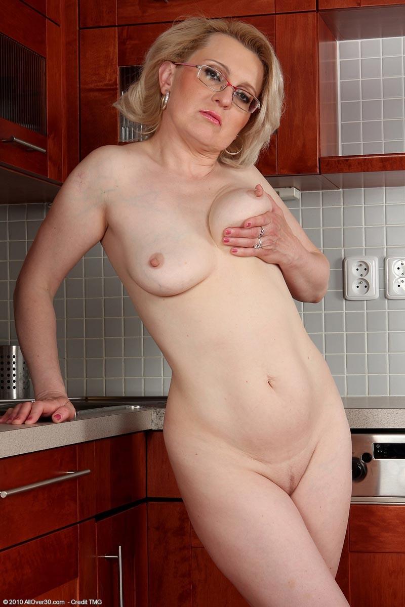 На кухне - Галерея № 2795140