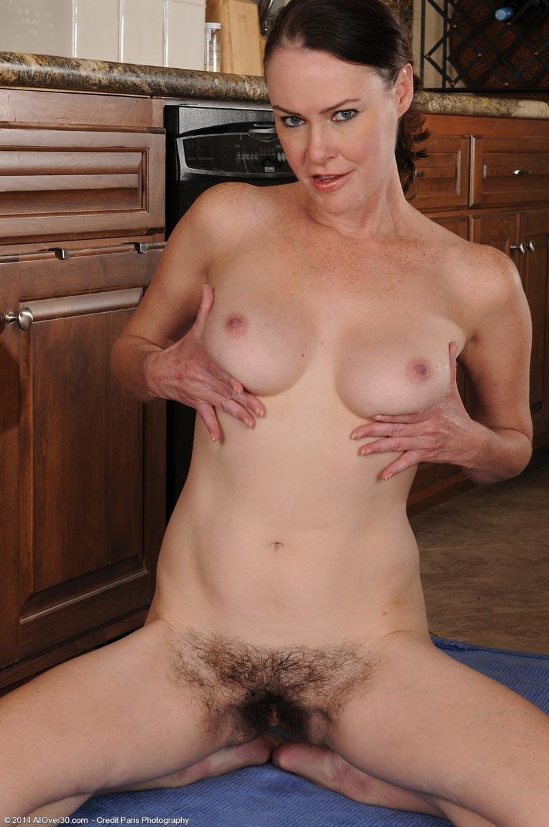 Veronica Snow - На кухне - Галерея № 3412370