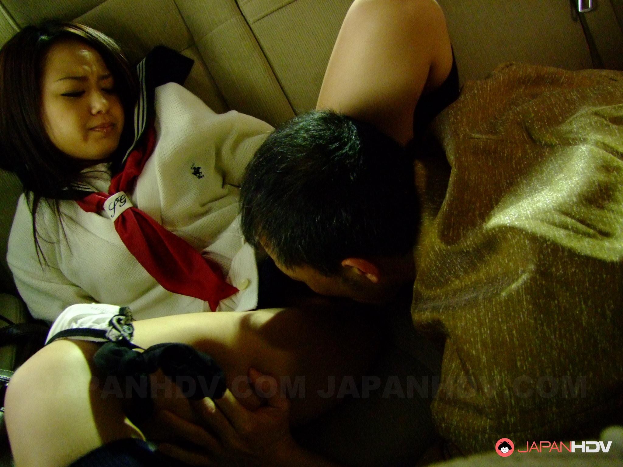 Японка морячка Rui Natsukawa сосет пенис