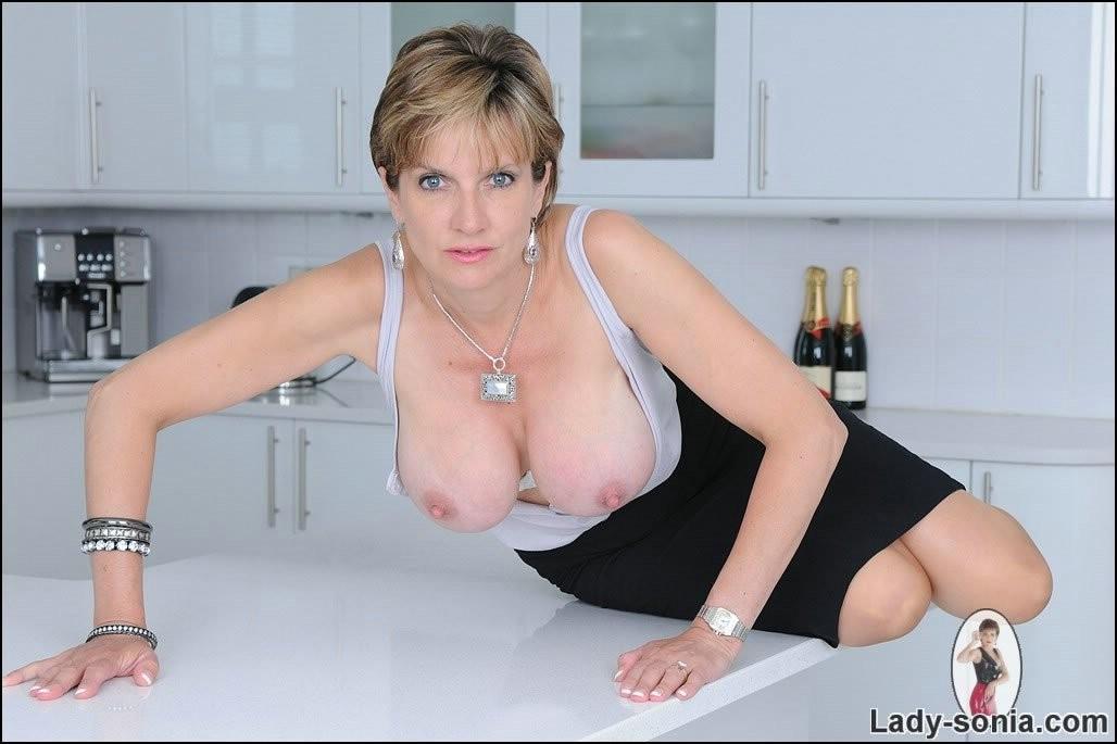 Lady Sonia - На кухне - Галерея № 3437003