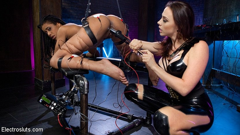 Chanel Preston, Kira Noir - Латекс - Галерея № 3530375