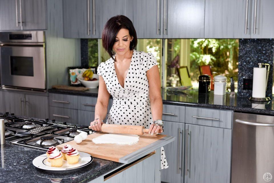 Ryder Skye - На кухне - Галерея № 3549965