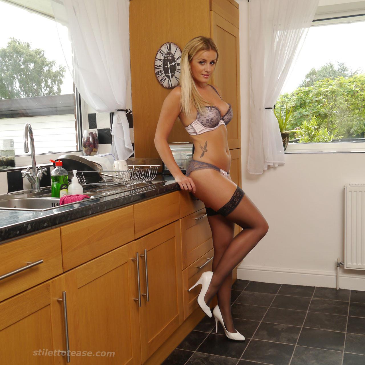 На кухне - Галерея № 3423448