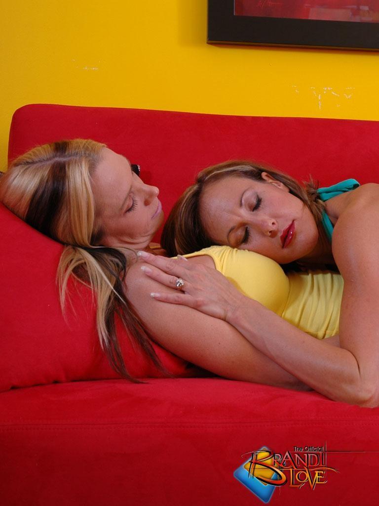 Brandi Love - Джинса - Галерея № 3501085