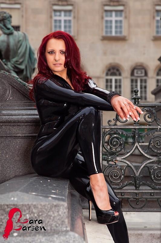 Lara Larsen - Латекс - Галерея № 3458925