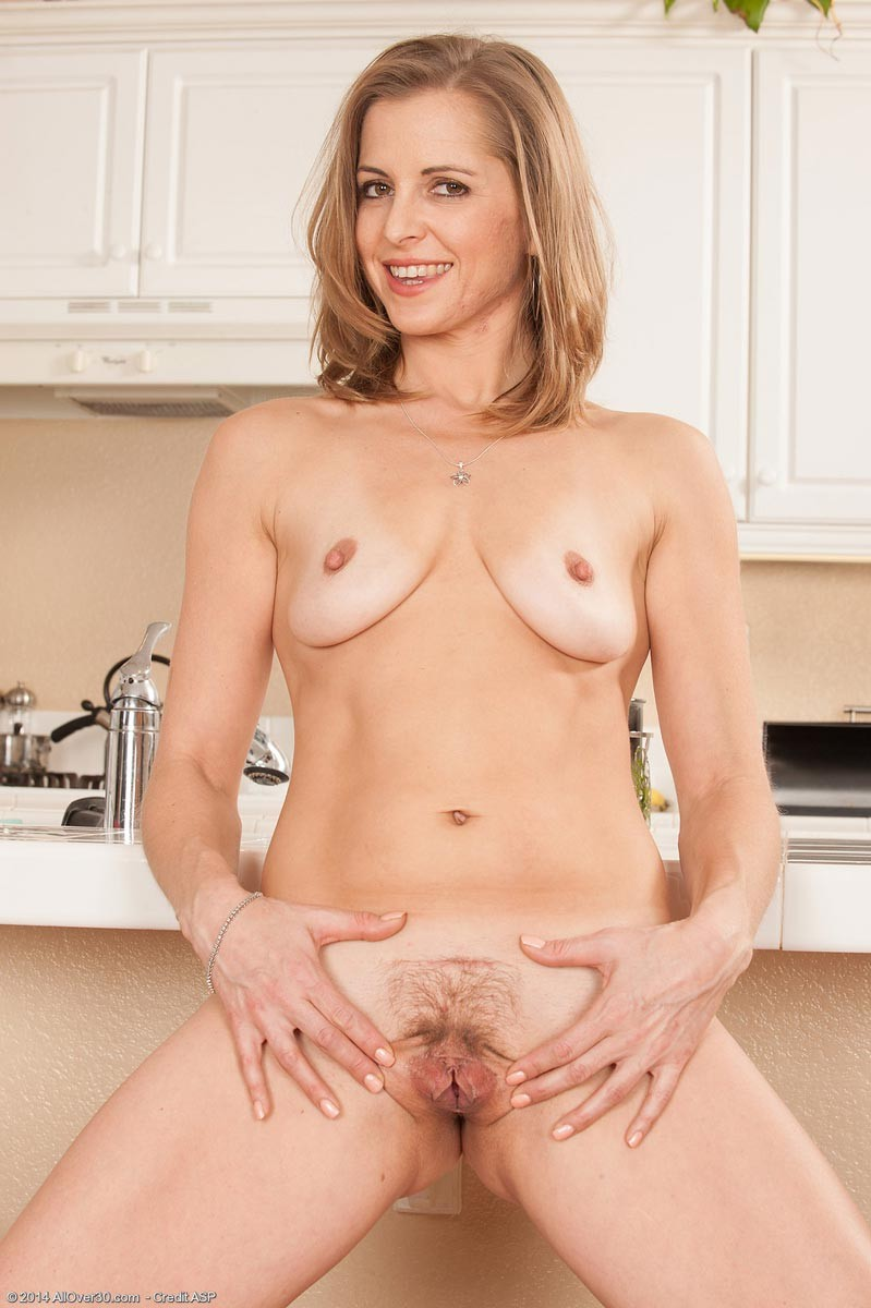 Melissa Rose - На кухне - Галерея № 3422301