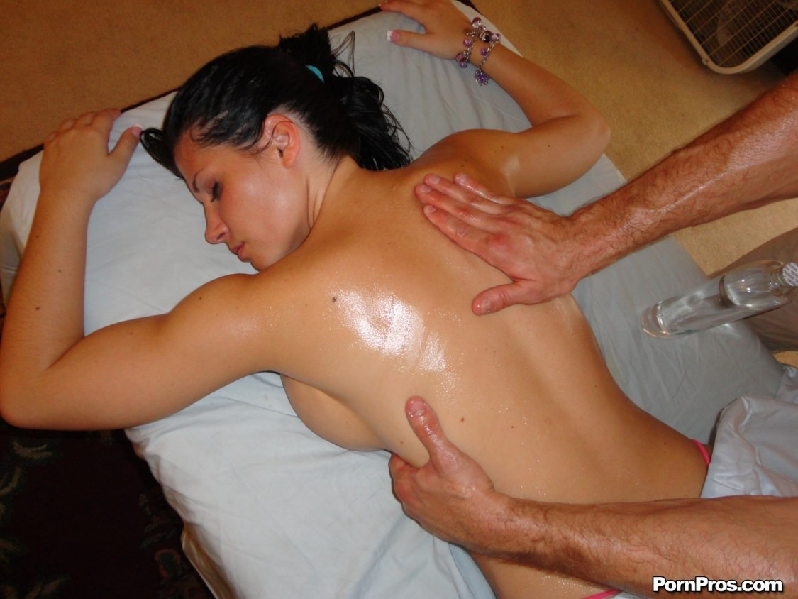 Латинка дала на массаже