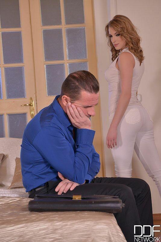 У мужика не стоял, но Victoria Daniels сумела его возбудить