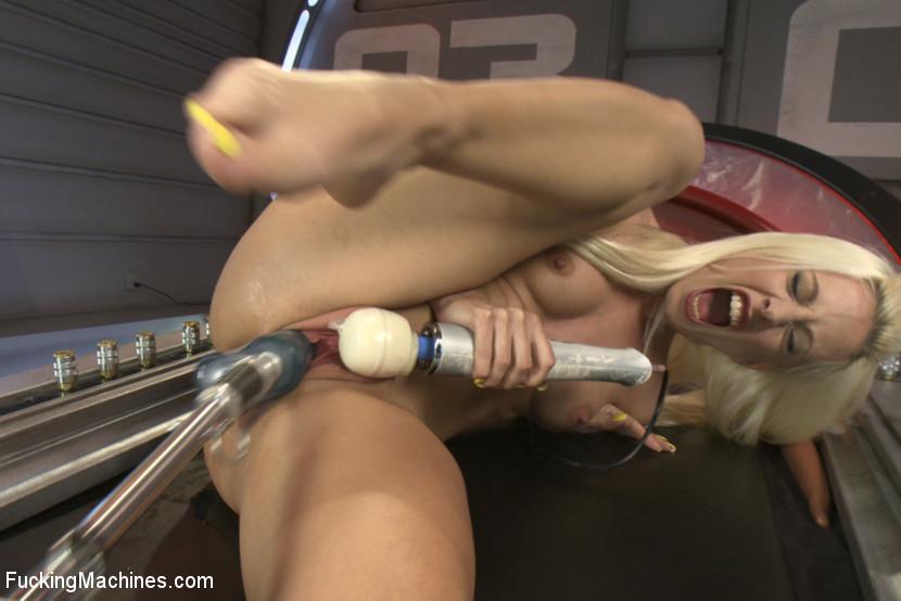 Jessie Volt - Секс машина - Галерея № 3423397