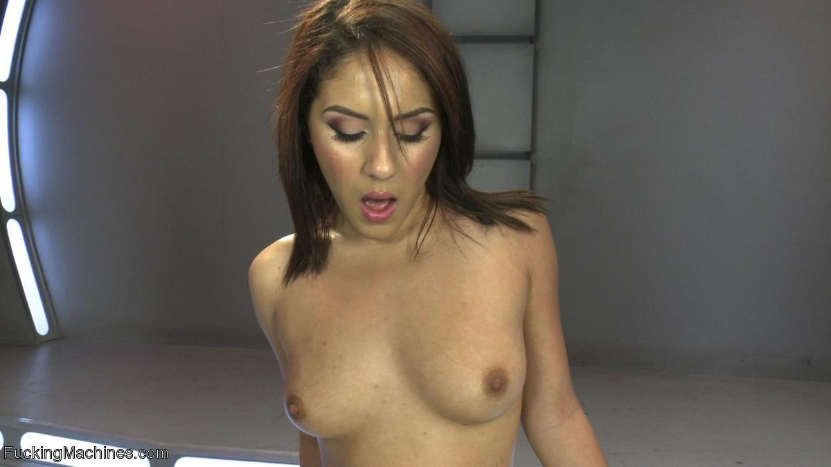 Liv Aguilera - Секс машина - Галерея № 3435084