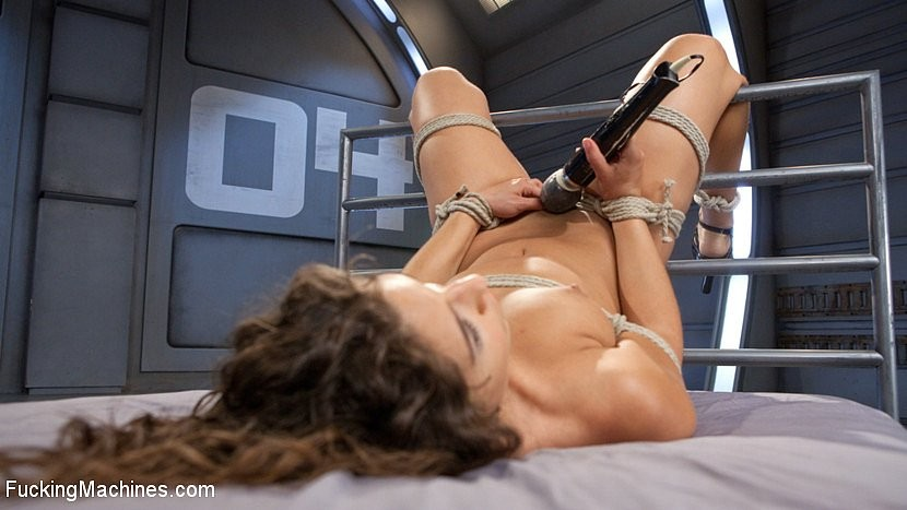 Abella Danger - Секс машина - Галерея № 3478977