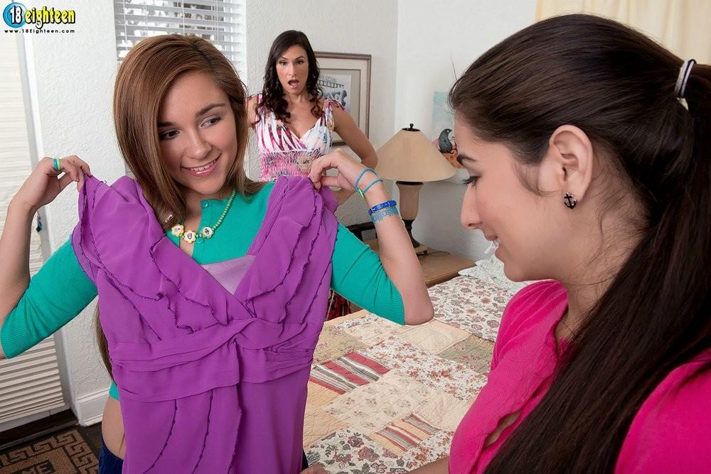 Zoey Foxx, Megan Salinas, Raven Lechance - Мексиканское - Галерея № 3369349