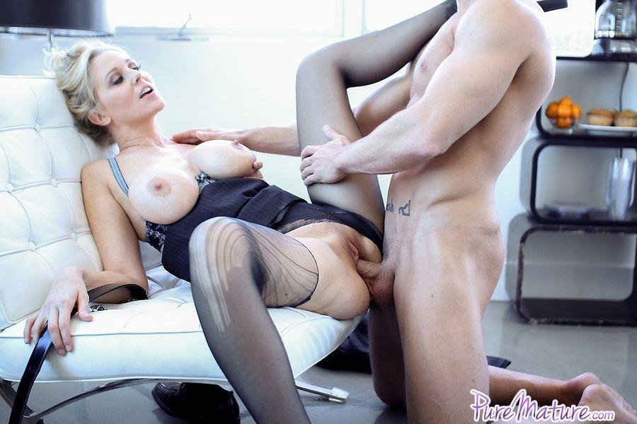 Julia Ann Femdom Handjob