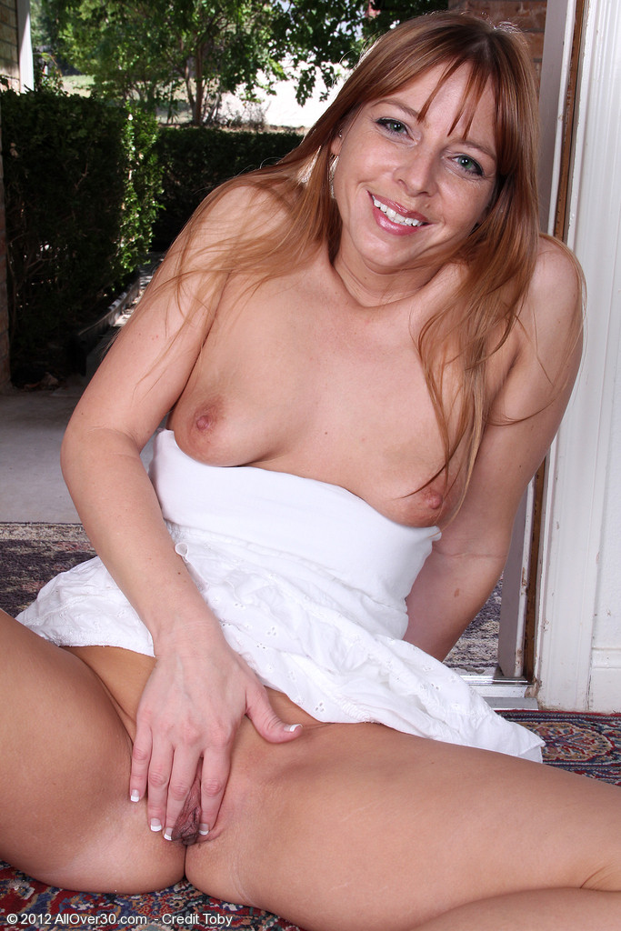 Зрелая женщина - Галерея № 3256841