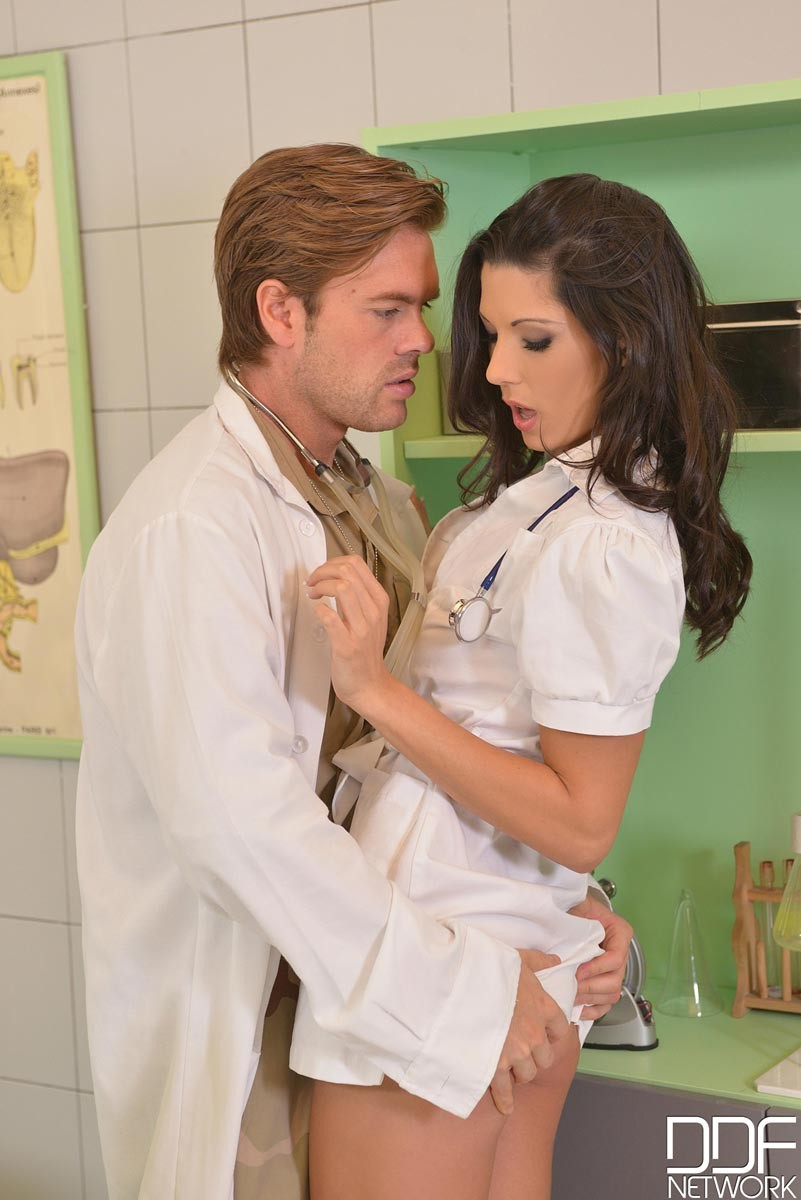 Alexa Tomas - Медсестра - Галерея № 3438226